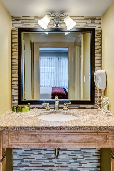 Barclay Suite Vanity